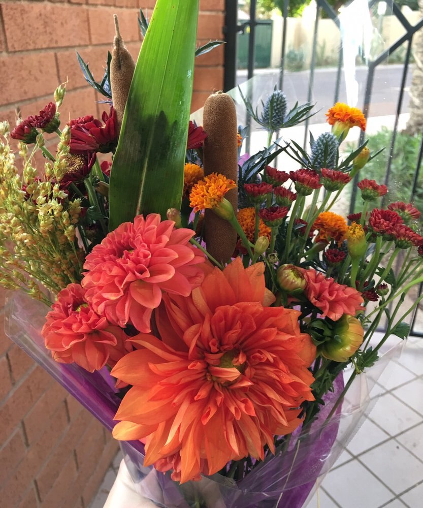 Happy hour on fridays build your own bouquet for half the price so photo of cactus flower florists phoenix az united states happy hour on izmirmasajfo
