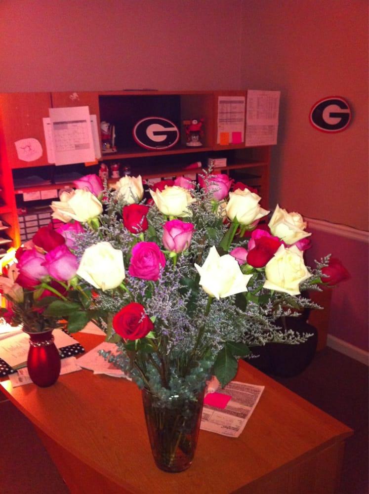 P O Of Kennesaw Florist Kennesaw Ga United States 3 Dozen Roses