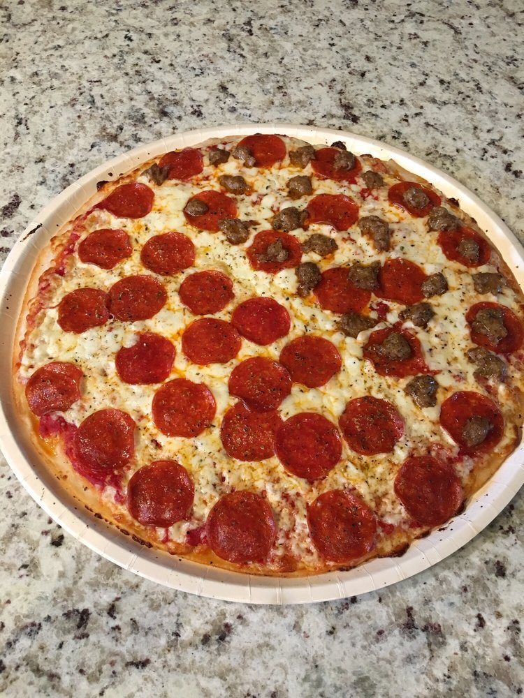 Villa Pizza: 126 Stonehenge Dr, Crossville, TN