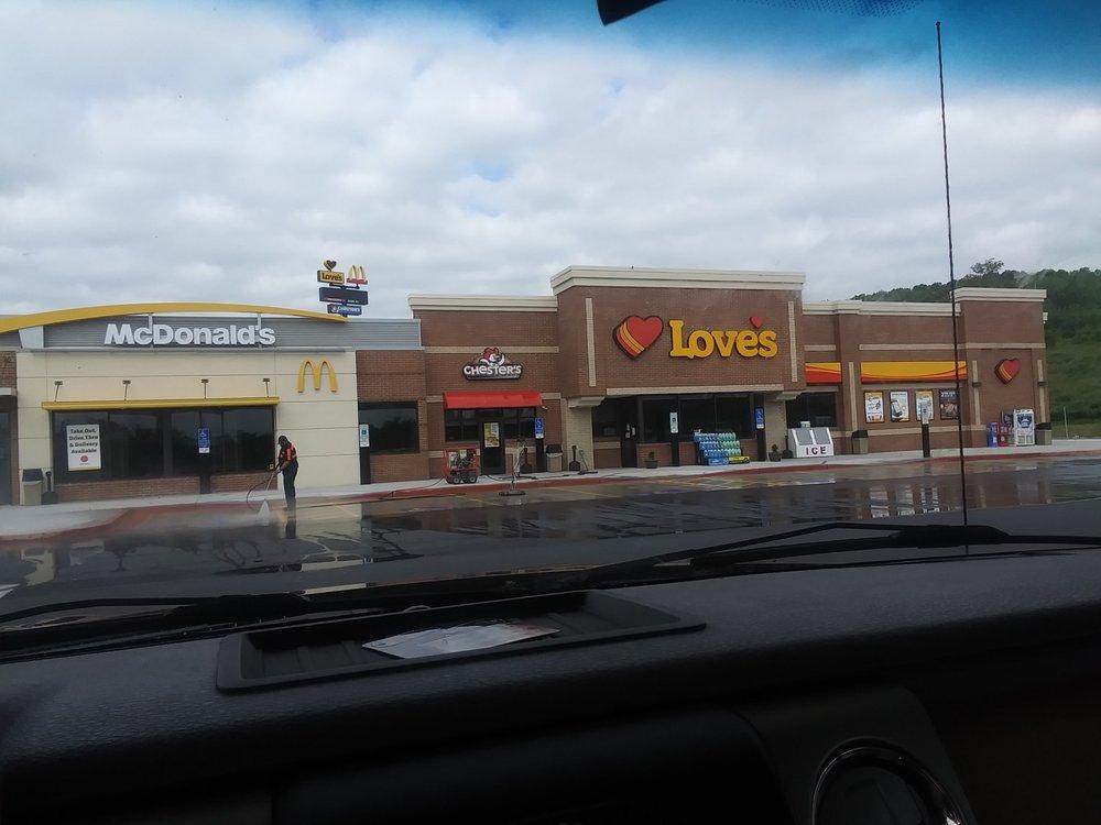 Love's Travel Stop: 3499 Lee Jackson Hwy, Staunton, VA