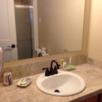 Photo Of Breakers Hotel Long Beach Wa United States Cute Bathroom