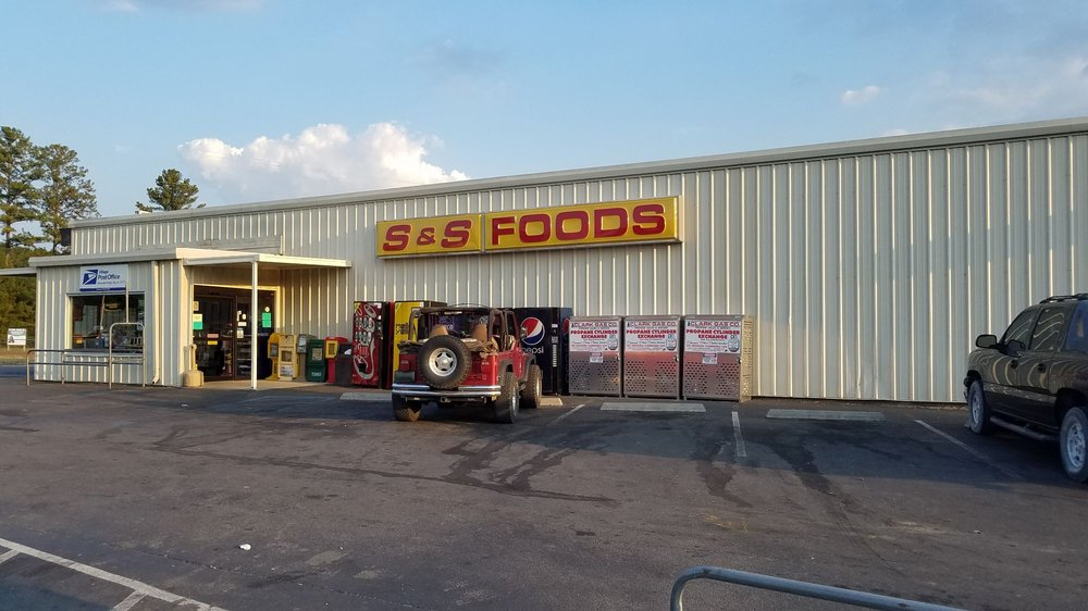 S & S Foods: 4340 County Road 216, Hanceville, AL