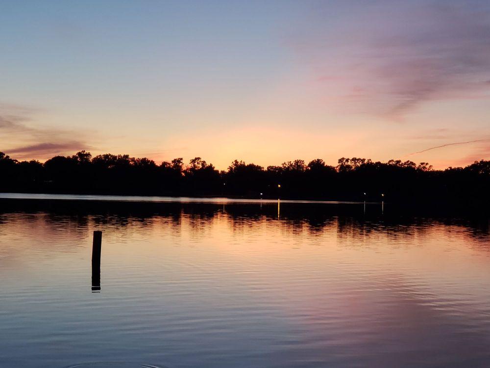 Photo of Lily Lake Resort: Burlington, WI