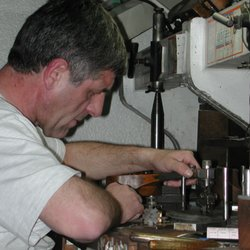 Photo Of Denney Jewelers Springfield Il United States Diamond Cutting In Antwerp