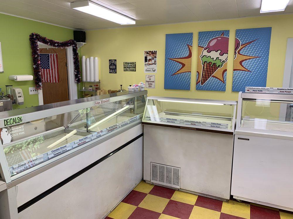 Country Cone & Fudge Shoppe: 308 S US 23, Harrisville, MI