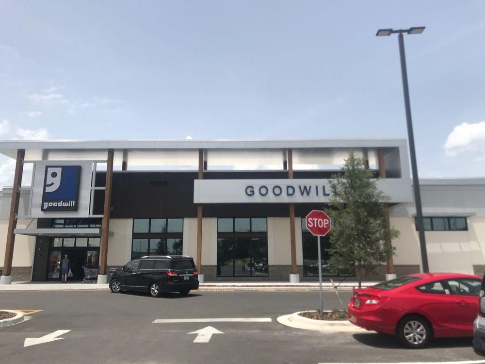goodwill: 637 US Hwy 441, Lady Lake, FL