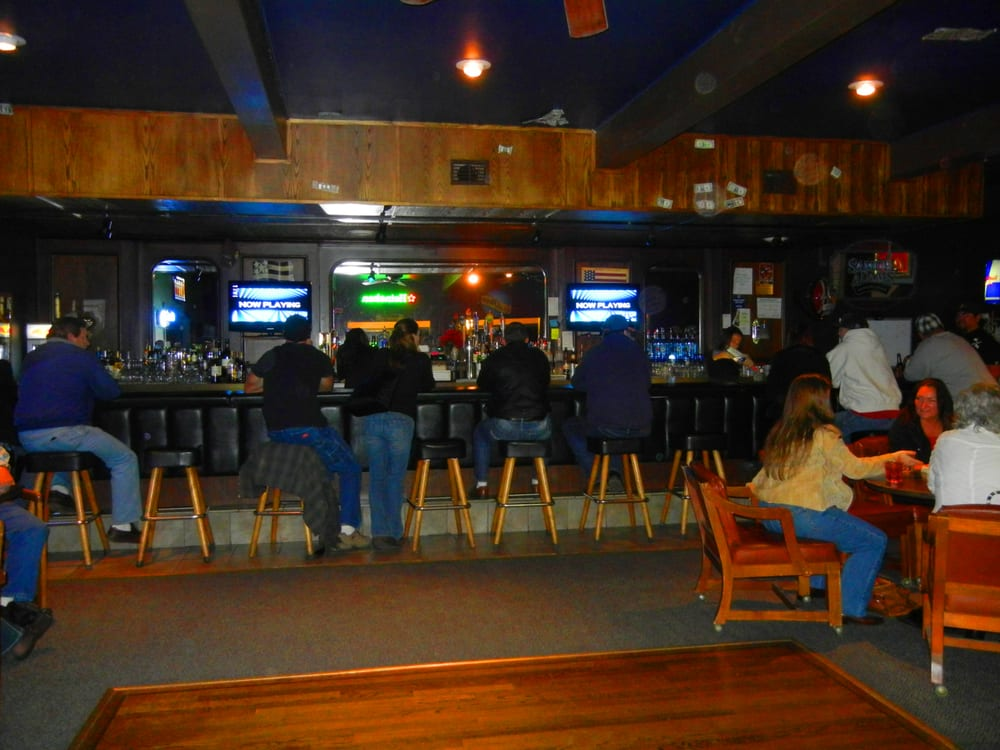 Camanche Hills Sportsman Dinner House and Lounge: 4216 Camanche Pkwy N, Ione, CA