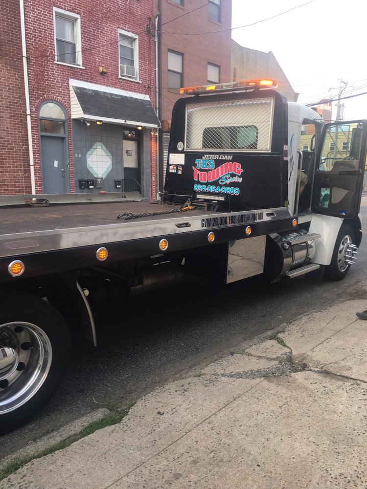 Towing business in Gloucester City, NJ