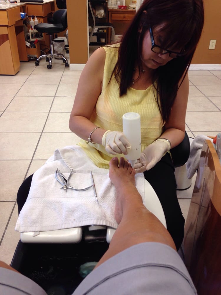 Diamond Nails & Spa: 4481 N Lecanto Hwy, Beverly Hills, FL