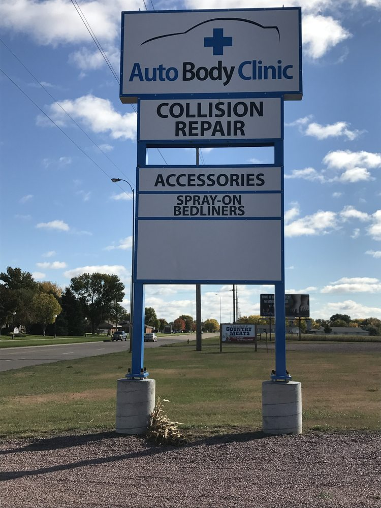 Auto Body Clinic: 670 21st St SW, HURON, SD