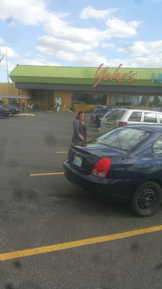 Yoke's Fresh Market: 12825 W Sunset Hwy, Airway Heights, WA