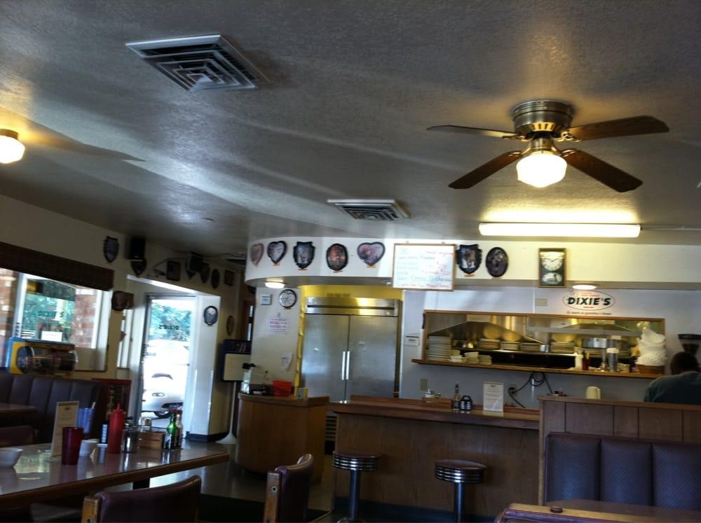 Dixie's Cafe: 25903 Hwy 126, Veneta, OR