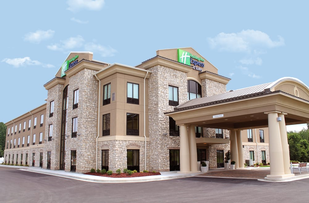 Holiday Inn Express & Suites Paducah West: 3996 Hinkleville Rd, Paducah, KY