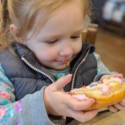 Sweet Dozen - 421 Photos & 395 Reviews - Donuts - 5207 Madison Ave
