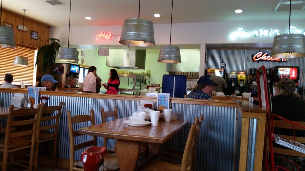 Cheek's Convenience & Grill: 2689 Blowing Rock Blvd, Lenoir, NC