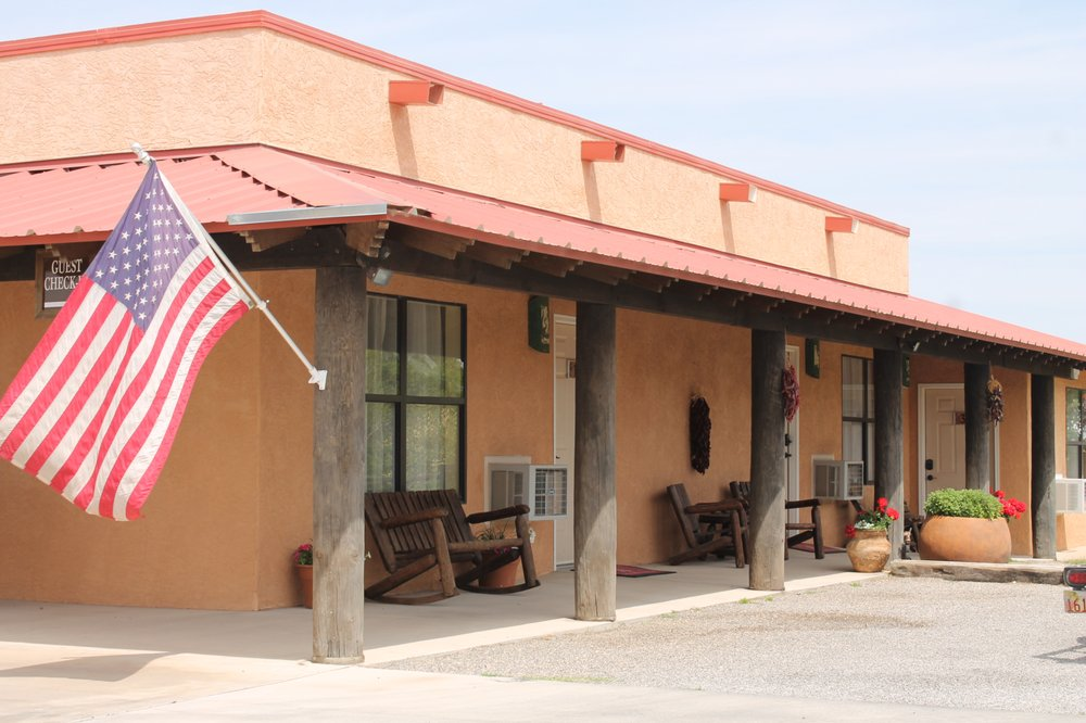 Adobe Rose Bed & Breakfast: 1614 N 13th St, Artesia, NM