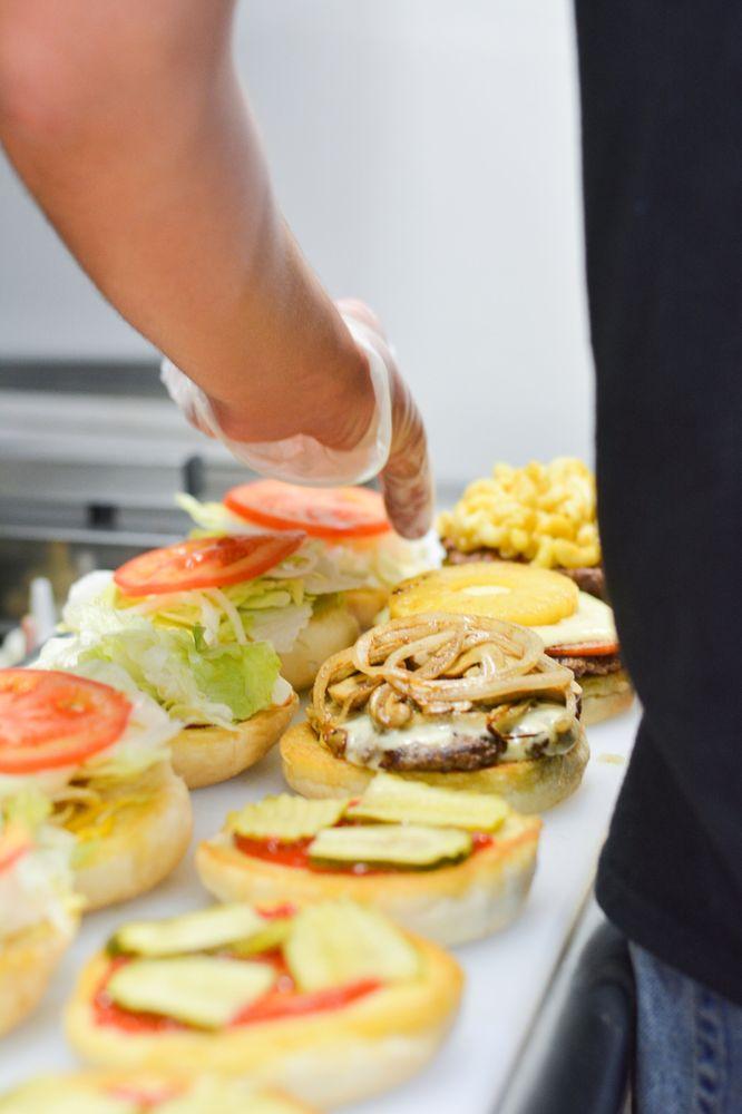 Idaho Burger Grill: 235 E Yellowstone Hwy, Saint Anthony, ID