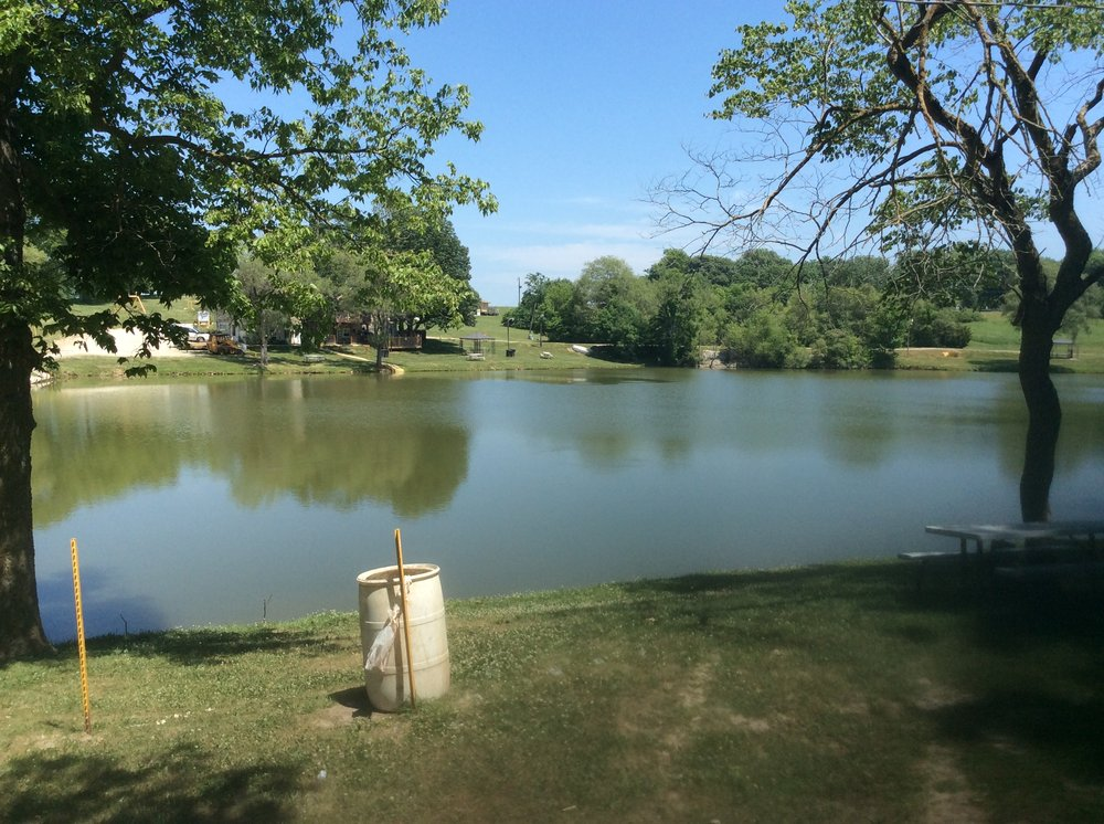 Photo of Bob's Fishing Lake & Camp Grounds: Savannah, MO