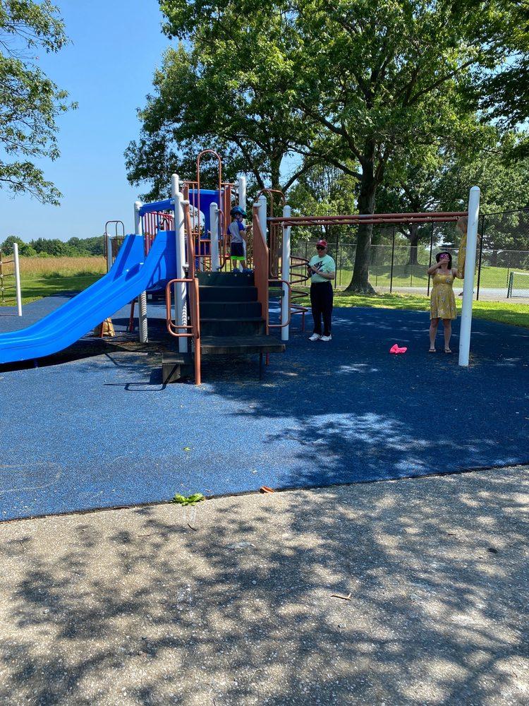 Darnestown Park: 14211 Darnestown Rd, Darnestown, MD