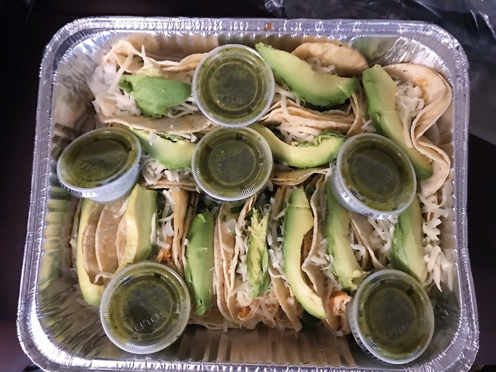 Food from Pupuseria Juanita