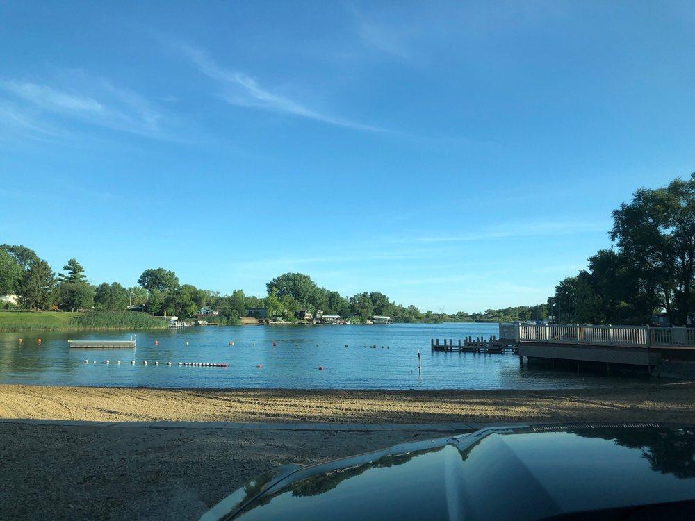 Lake Shannon: 18530 W 3000N Rd, Reddick, IL