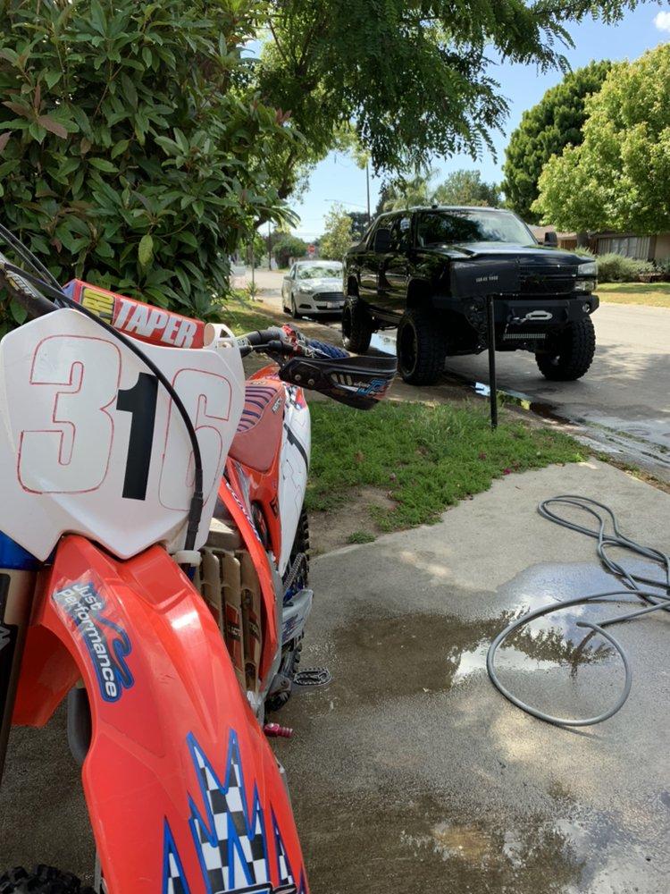 Zelaya's Mobile Auto Detail: Thousand Oaks, CA