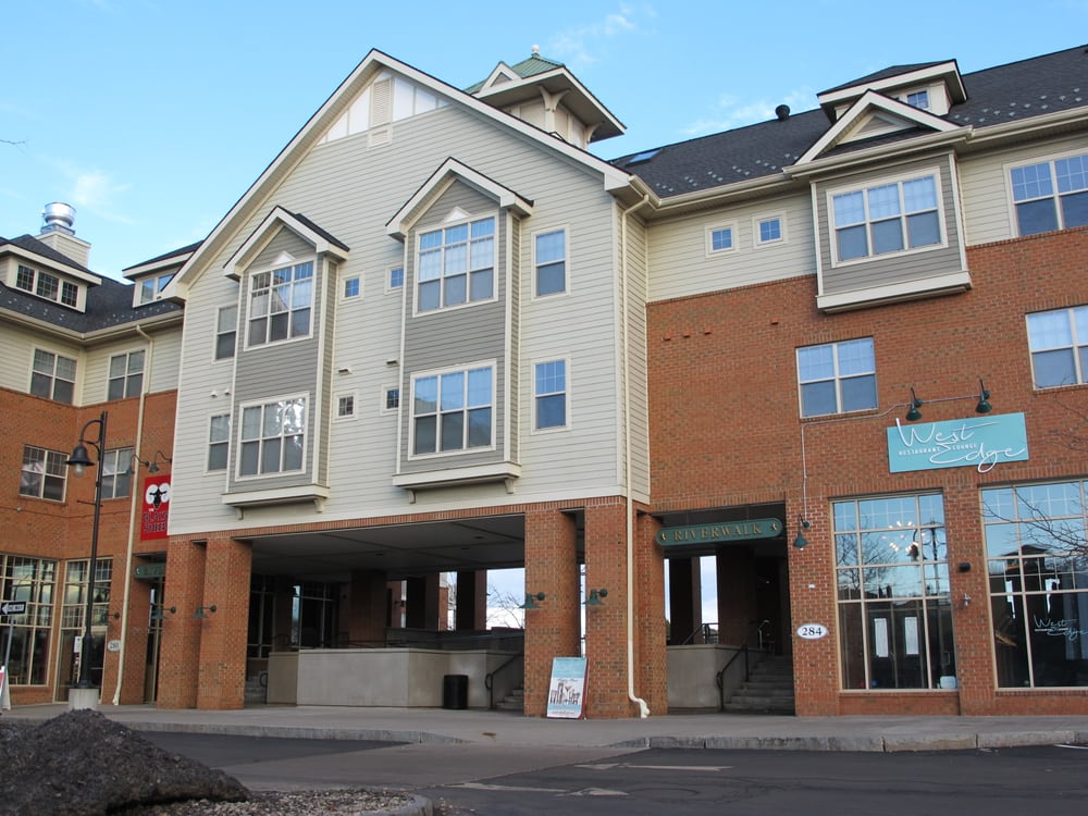 Cornhill landing apartments 270 exchange blvd corn for Southern living phone number