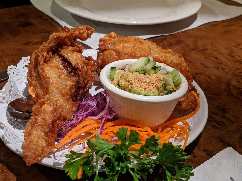 Chan Dara Thai Café: 330 W Felicita Ave, Escondido, CA