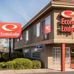 Econo Lodge Southeast 37 Photos 30 Reviews Hotels 17330 Se