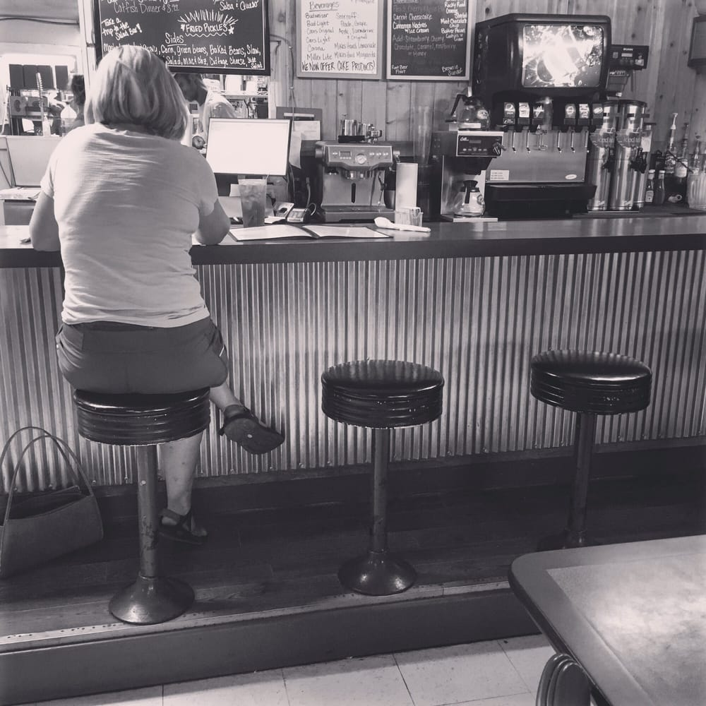 Morrison Cafe: 118 W Hwy 64, Morrison, OK