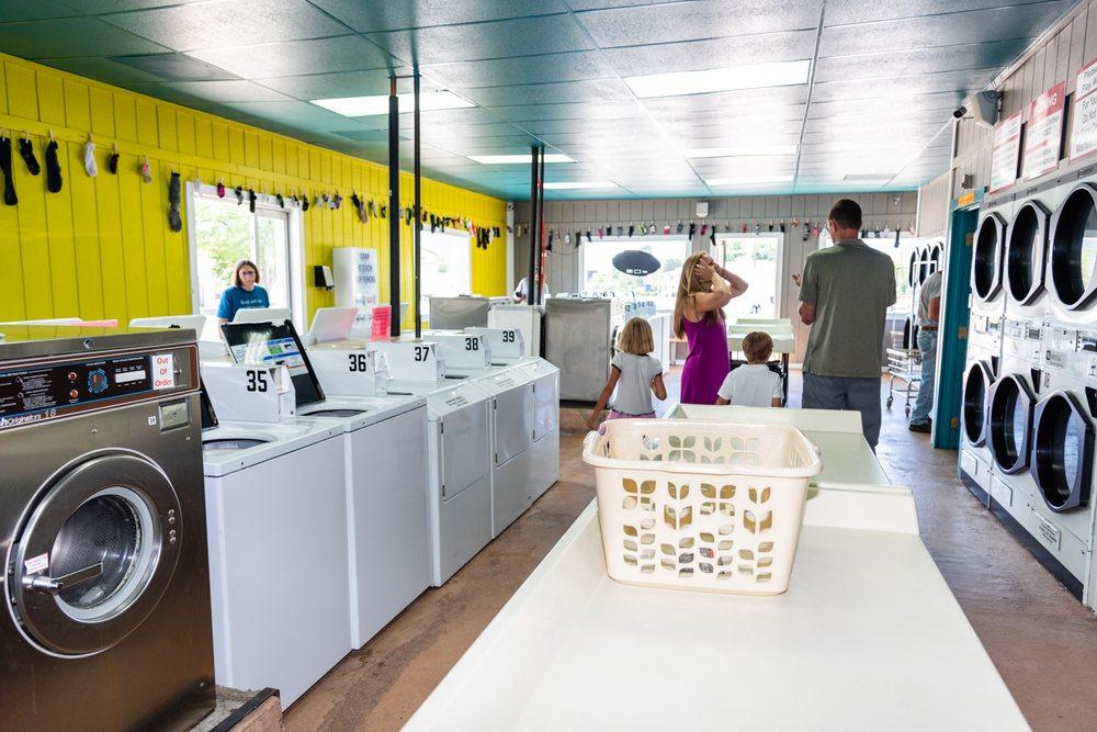 Salida Laundromat: 1410 E St, Salida, CO