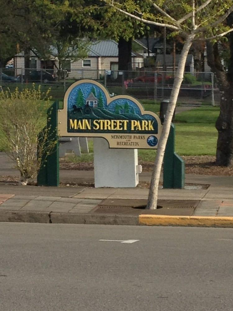 Main Street Park: 200 Main St, Monmouth, OR