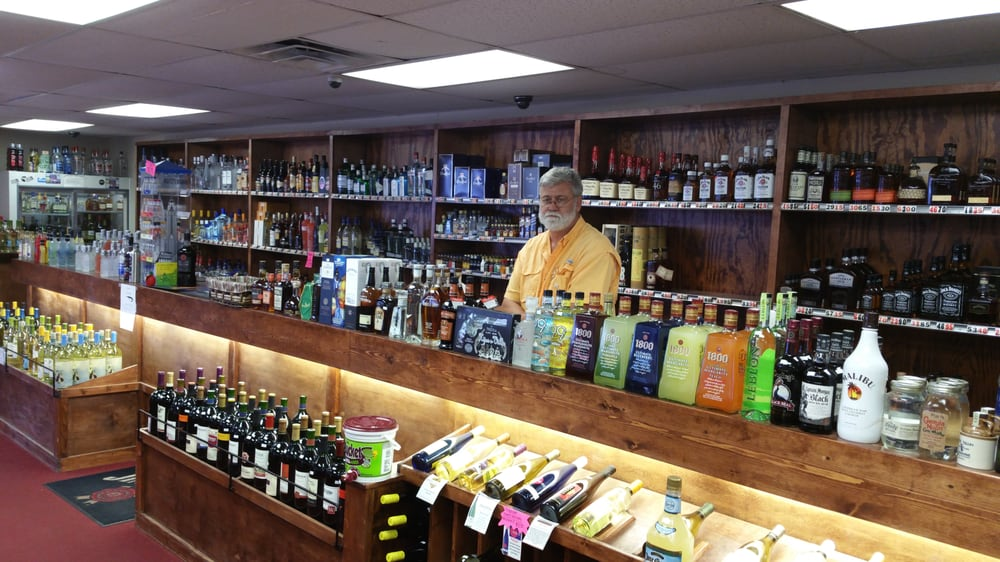 Westgate Package Store: 1015 Lee Dr, Clarksdale, MS
