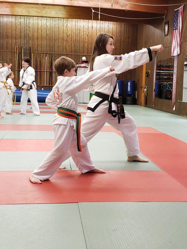 Roseburg Martial Arts Academy: 1523 NE Vine St, Roseburg, OR