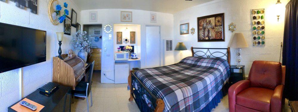 High Desert Lodge: 27180 Twenty Mule Team Rd, Boron, CA