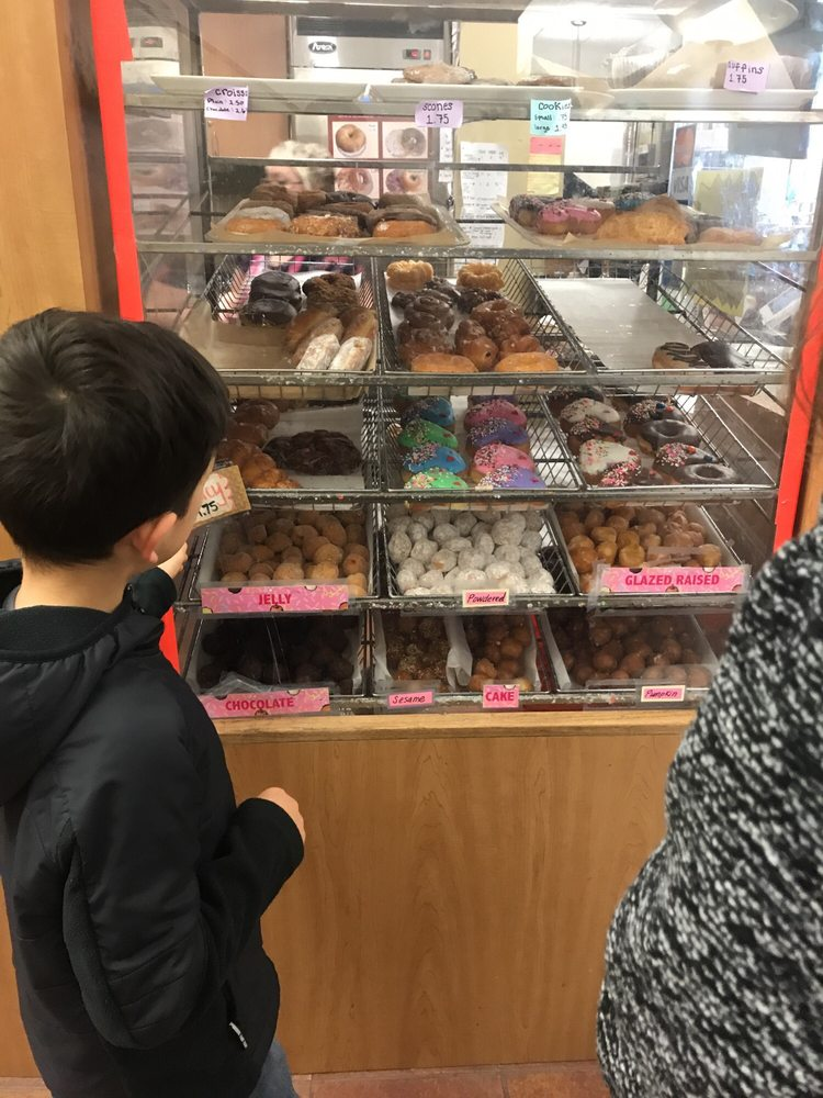 Sesame Donuts Cafe at Hillsboro | 2850 NE Brookwood Pkwy, Hillsboro, OR, 97124 | +1 (503) 640-3818