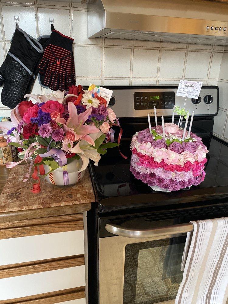 Julie'S Floral & Gifts