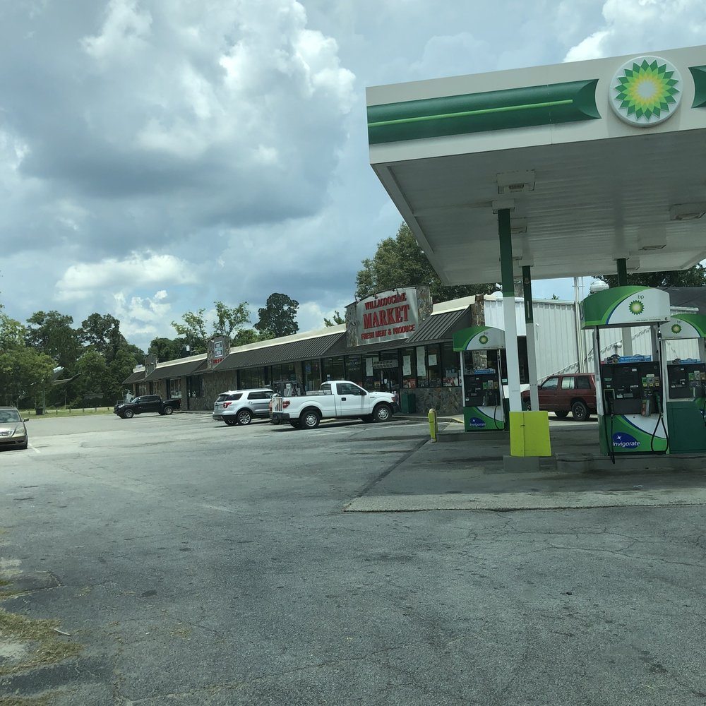 Shell: 22 Main St, Willacoochee, GA