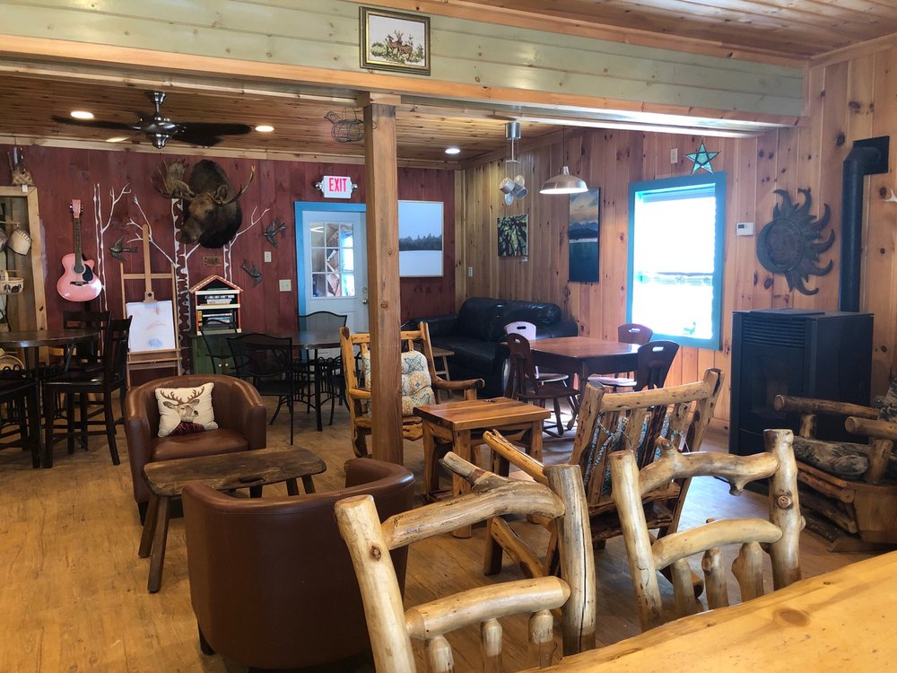 Moose Muck Coffee House: 25 Parsons St, Colebrook, NH