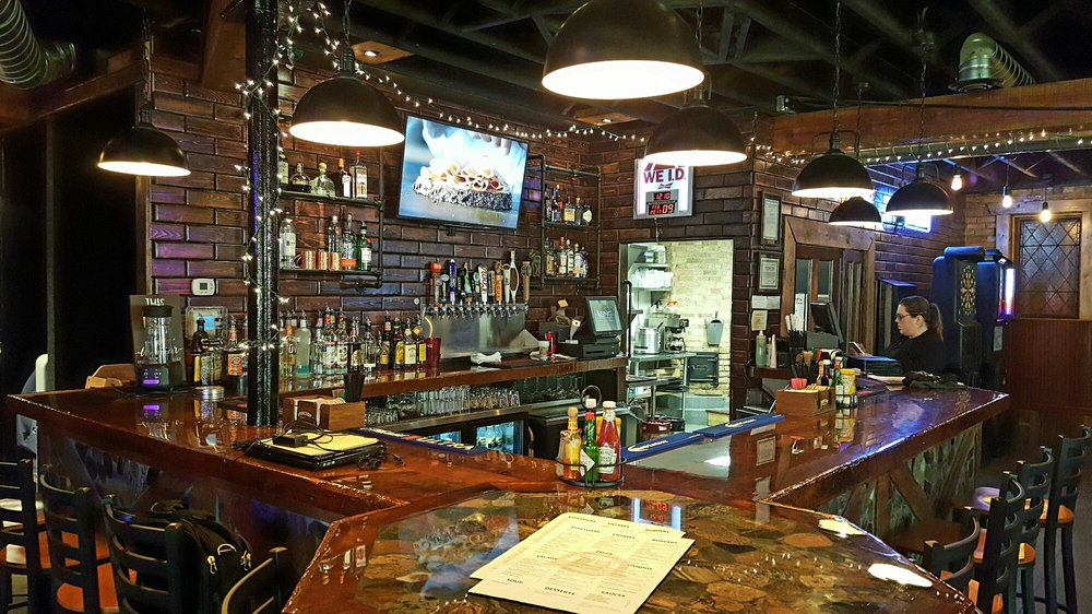 Doc's Pub & Eatery: 344 Main Ave, Hankinson, ND