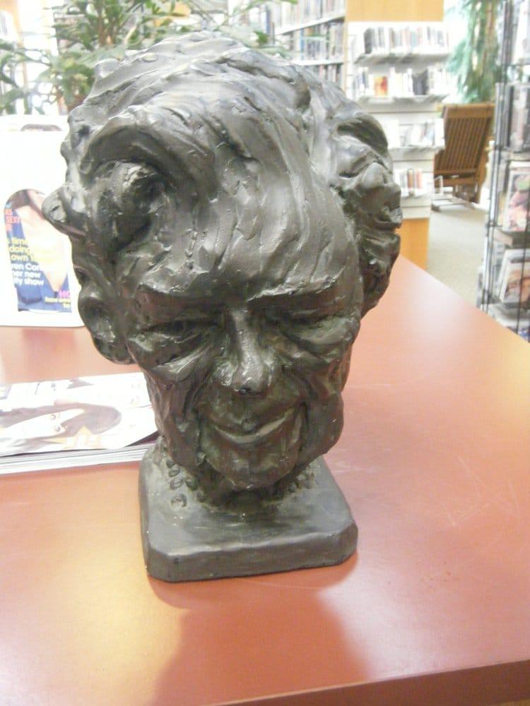 Clark Memorial Library: 7 Pinehurst Dr, Carolina, RI