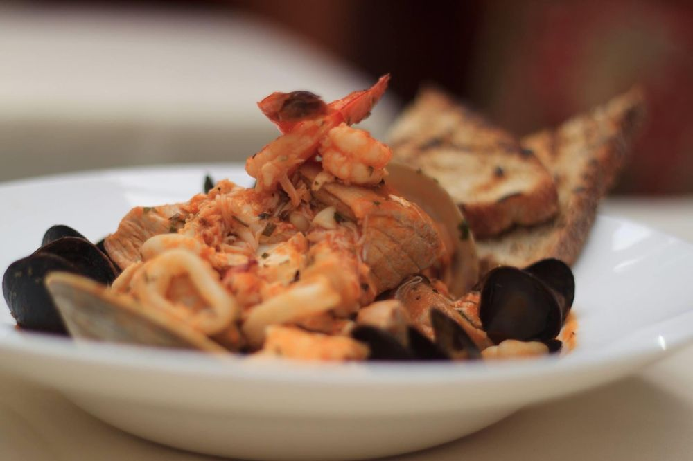 Social Spots from Creed's Seafood & Steaks