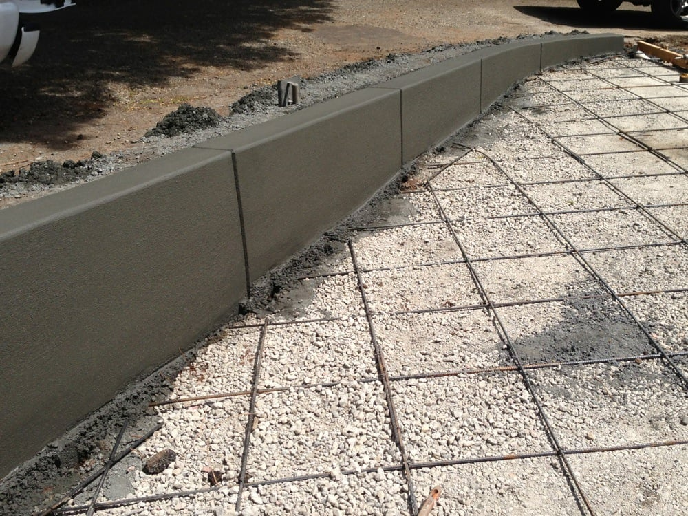 Concrete Retaining Wall With Control Joints Concrete In