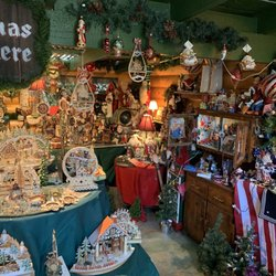 Christmas Eve At Friday Harbor.Christmas Spoken Here Candy Stores 1021 Guard St Friday