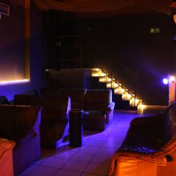 Cinema club 81 sexshop