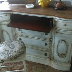Photo Of New 2 Us   Odenton, MD, United States. Chaby Chic Desk