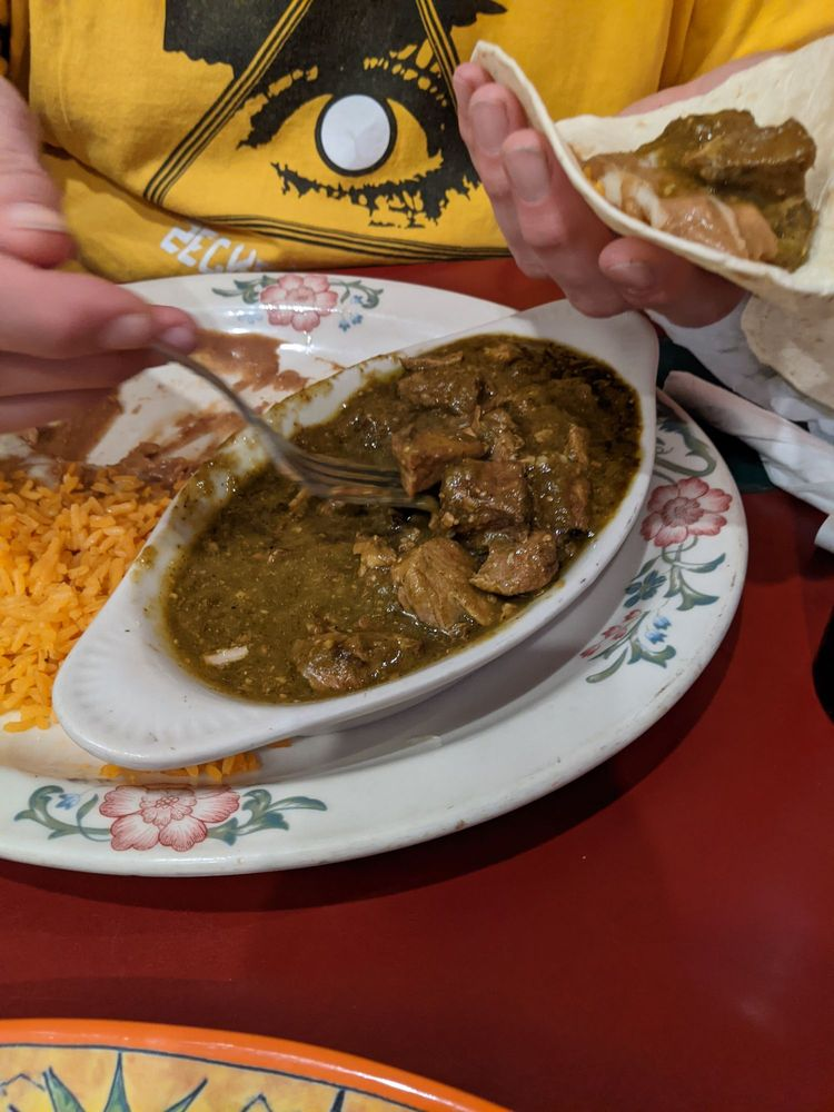 Ixtapa Mexican Restaurant: 640 E Columbia River Hwy, Clatskanie, OR