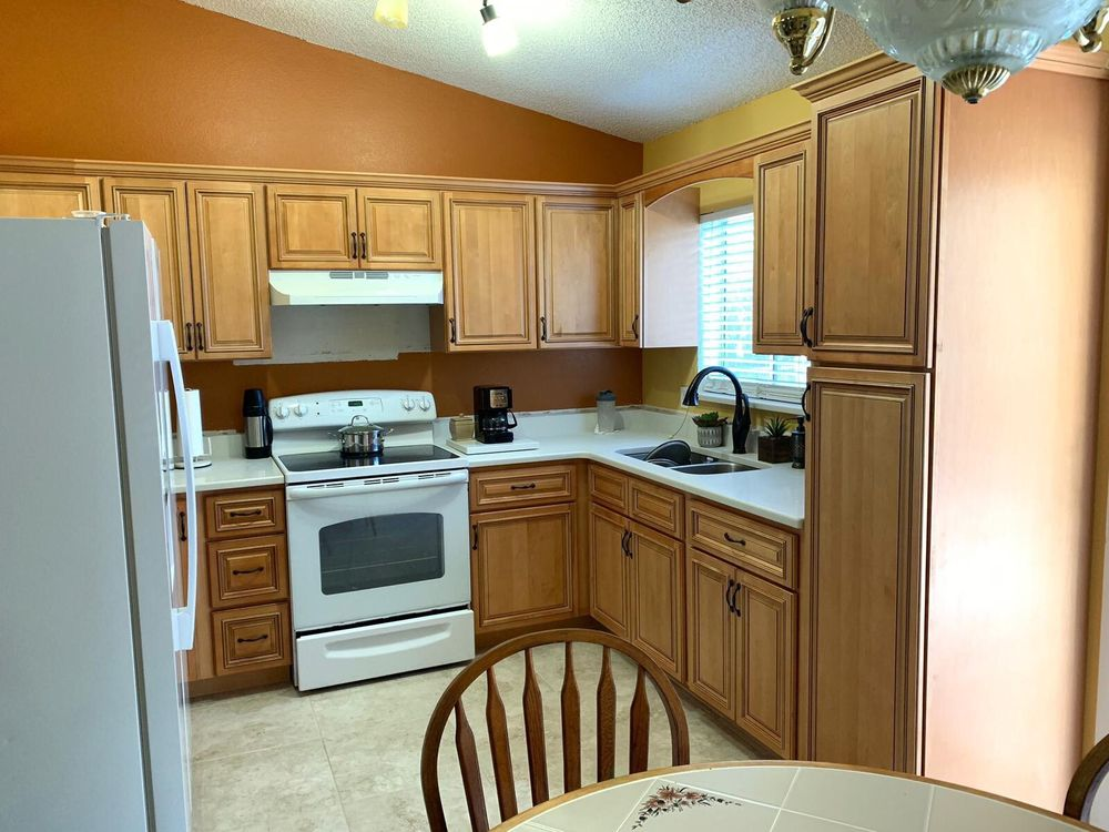 Master Granite Kitchen and Bath: 12288 SE US Hwy 441, Belleview, FL