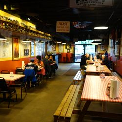 Restaurants Barbeque Food Smokehouse Photo Of Py S Saint Louis Mo United States Inside Seating