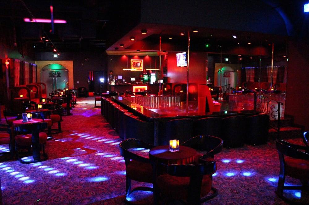 LA VIDA Gentlemens Club - 21 Reviews - Strip Clubs